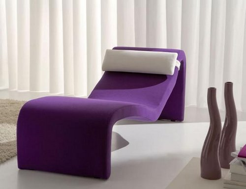 Purple color in home decorating for Chaise design coloree
