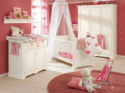 white-and-wood-baby-nursery-furniture-sets-by-Paidi-4-554x415