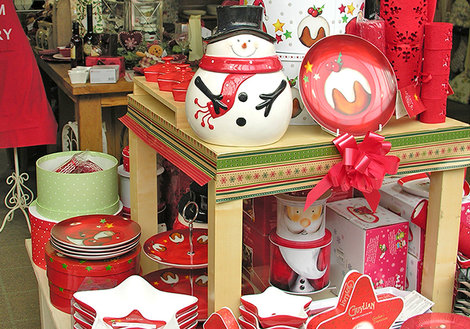 Christmas kitchenware