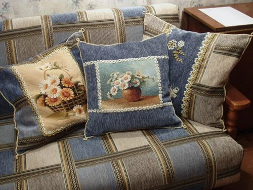 Lace cushions-vintage