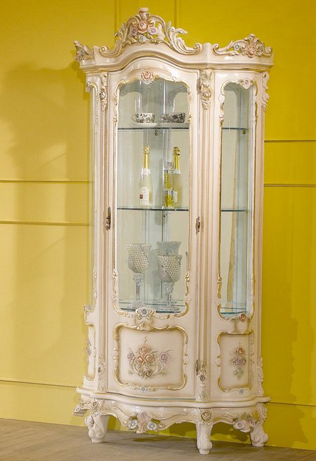 Curio Cabinets For Holding Your Curio Items Www Nicespace Me