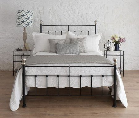 wrought-iron-bed