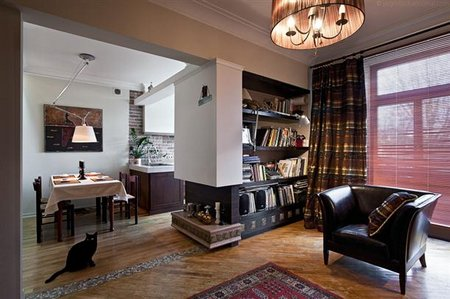 Books-selves-at-Modern-and-Cozy-Small-Apartment-Design-with-Retro-Style