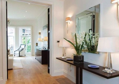 decorating-the-hall-way-with-additional-interior-mirror