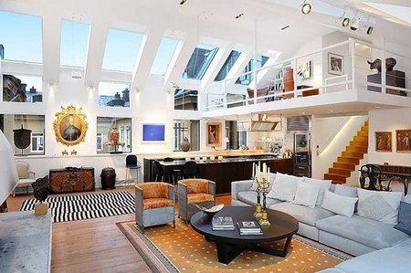 open-plan-loft-amazingly-high-ceilings-2