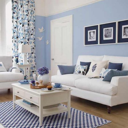 Small-and-Cozy-Blue-Living-Room-Design