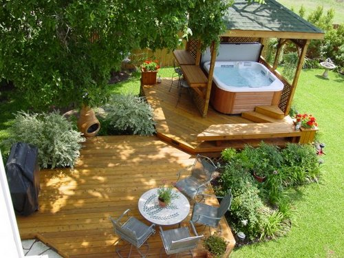 Things You Must Consider When Designing A Container House: Outdoor Hot Tub Enclosure