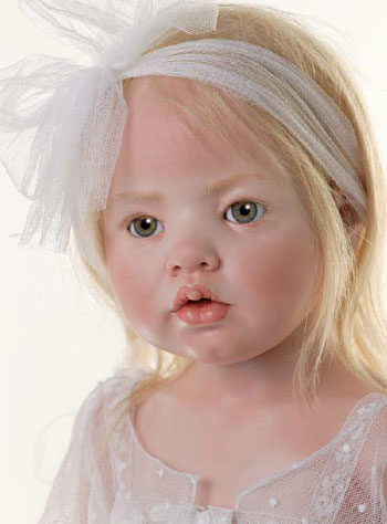 collectible-doll diandra
