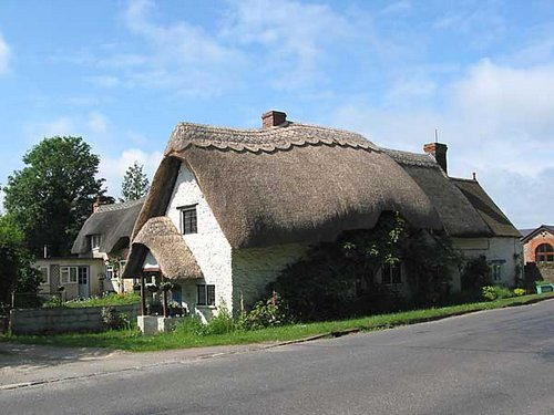 england roof thatched
