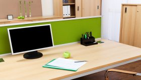 Choosing the Right Desk for Yourself