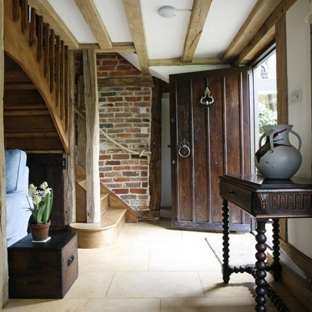 hallway-country-style3