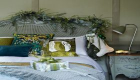 Christmas Getaway Bedroom Decorating