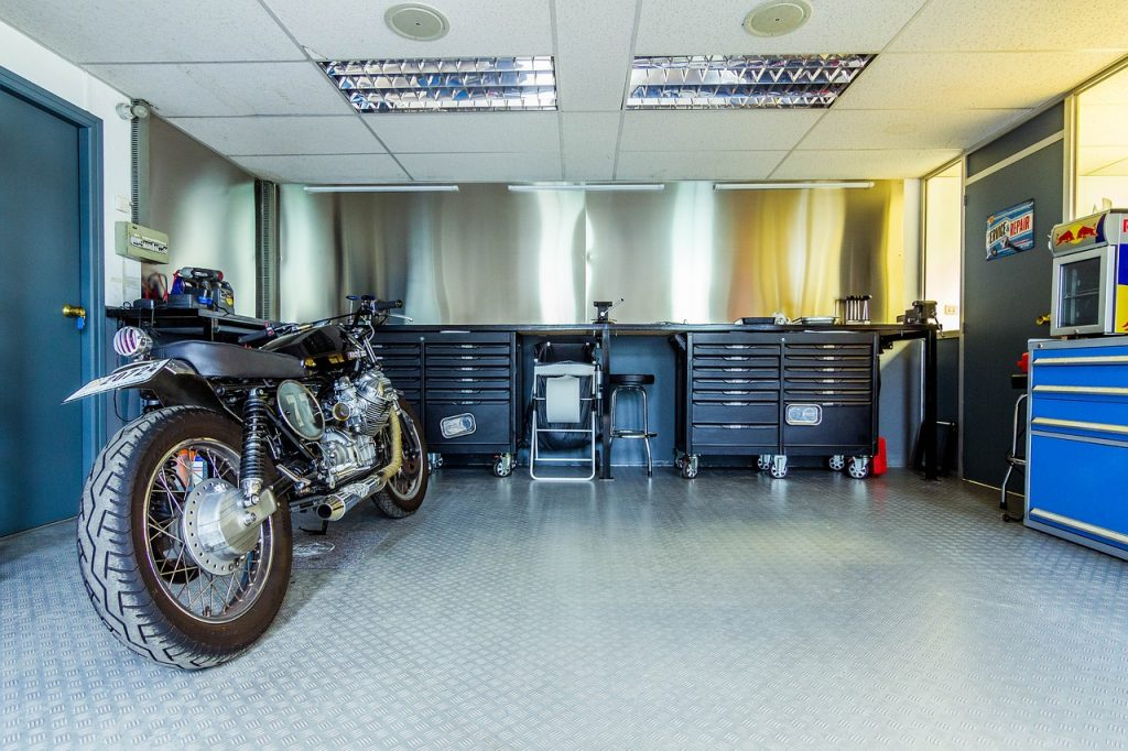 4 Tips for Clearing Out Your Garage